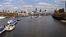 İngiltere Londra Thames Nehri İzle